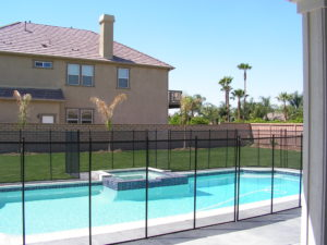 Mesh pool barrier